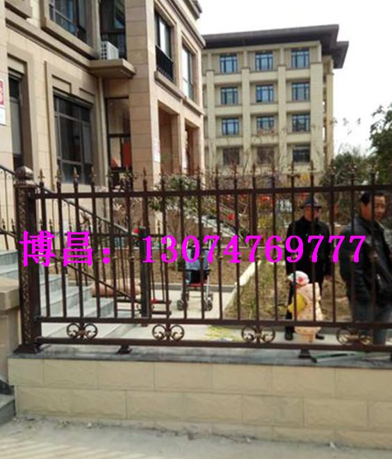 案例三:与客户合作呼和浩特铝艺围栏