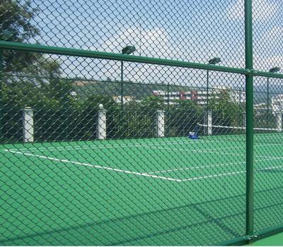 做好这三点验收标准,我们就能挑选到好的球场护栏网。