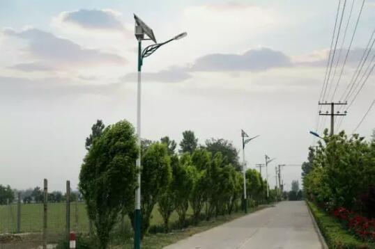 太阳能分体路灯-鄂尔多斯太阳能价格取决于配置不同