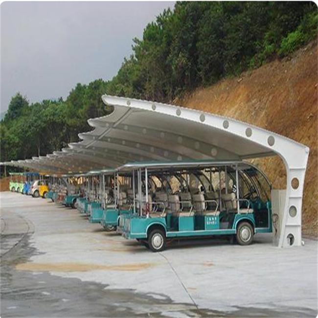 在景观区安装停车棚选用膜结构的来建造有什么益处?