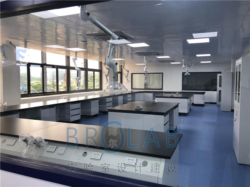 西双版纳公安局实验室家具配套-TMOON实验台通风柜安装完工