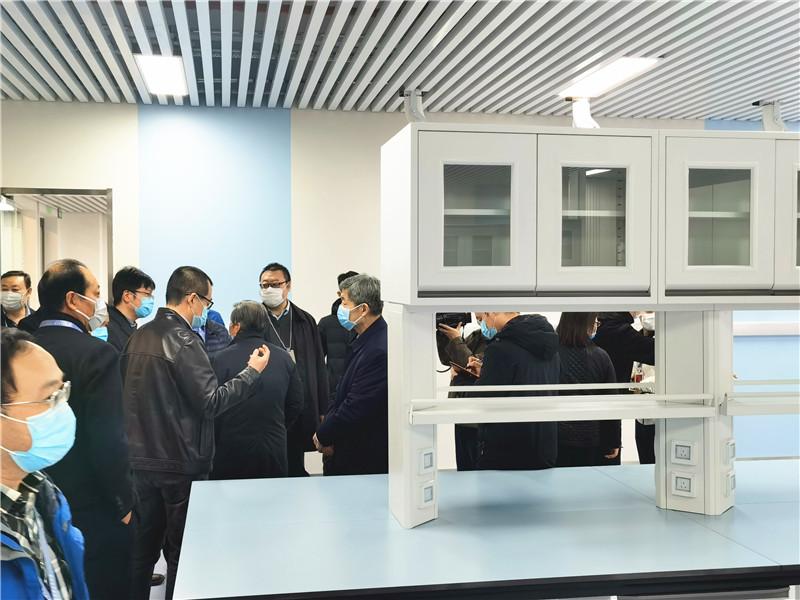 交大党委书记张迈增、校长王树国疫情期间视察指导创新港实验室建设工作