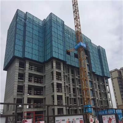 某建筑工地使用全钢爬架操作展示