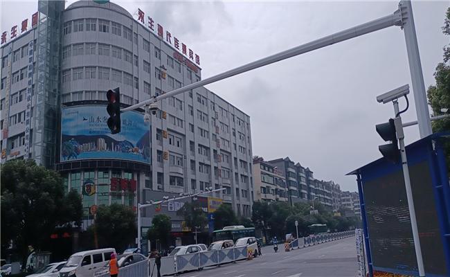 江西省宜春市明月北路外立面翻新改造工程