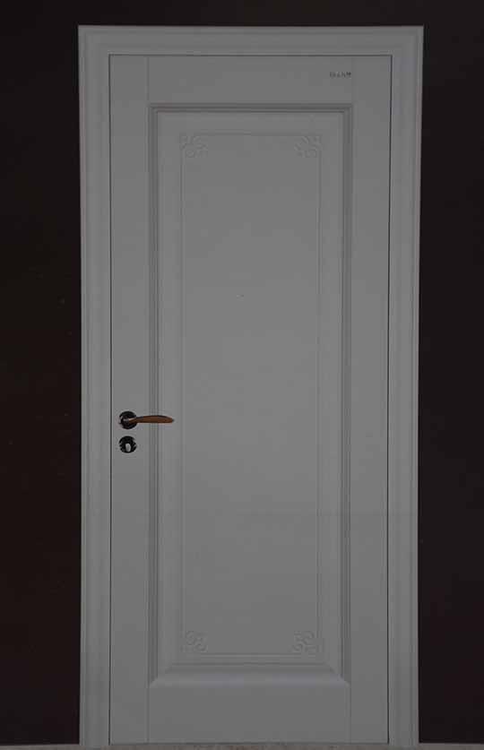 清新白色烤漆门 美观时尚