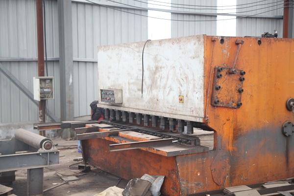 乌兰察布钢结构生产设备——剪板机