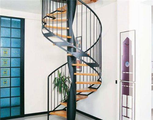 找武汉旋转楼梯设计公司就选家美楼梯
