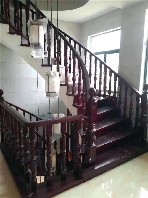 武汉实木楼梯,服务优异,价格优惠