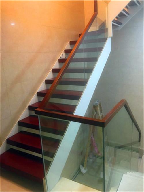 武汉钢木楼梯