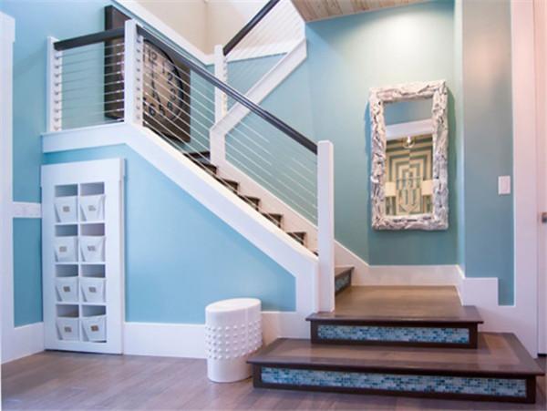 武汉钢木楼梯厂家告诉大家钢制楼梯装修需要注意什么