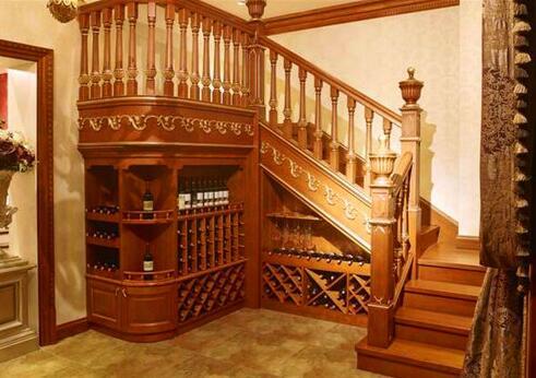 什么样的实木楼梯照片好?武汉实木楼梯厂家给大家详解?