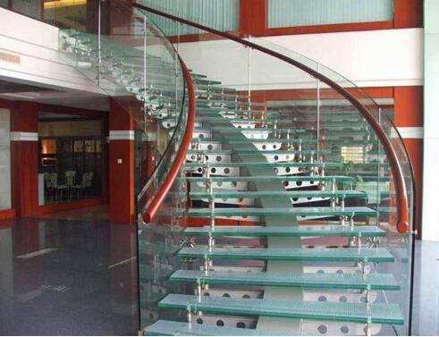 为什么实木楼梯选择山毛榉?山毛榉楼梯怎么样?