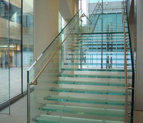 实木楼梯的价格如何计算?实木楼梯厂家给我们具体的详解?