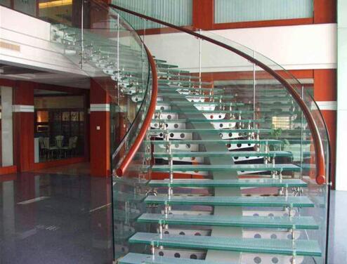 旋转楼梯有哪些优势!武汉旋转楼梯厂家给我们具体的详解!