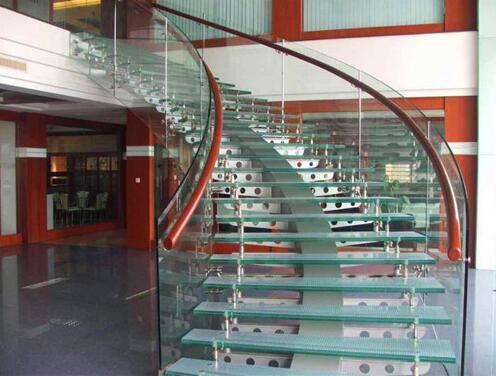 螺旋楼梯如何定制呢?武汉旋转楼梯厂家给我们具体的详解?