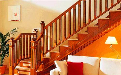 小编向你讲解原来实木楼梯有那么多好处?