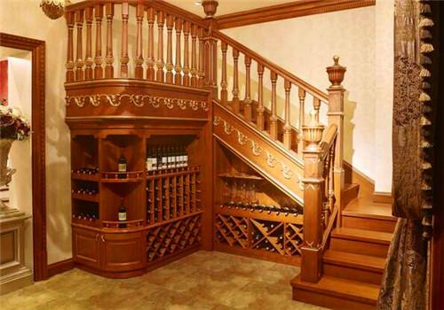 .适合做武汉实木楼梯的材料是哪种