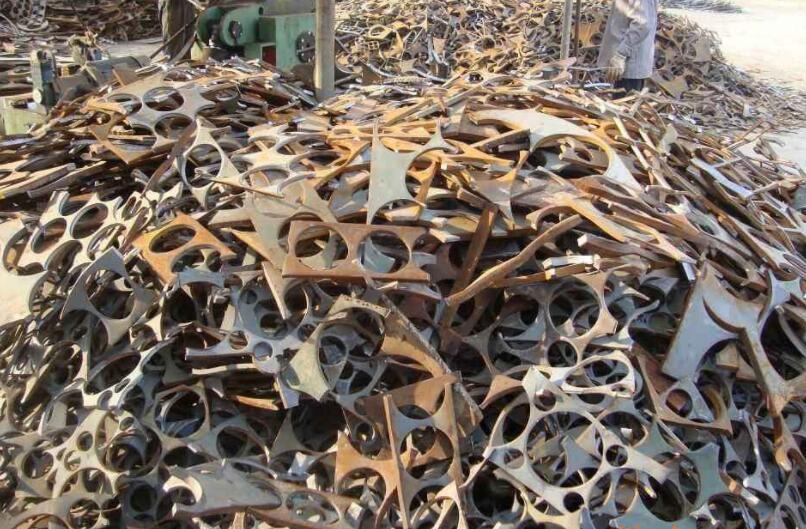 新疆废钢回收价格受到来自三方面要素的影响,以下内容让我们去了解一下