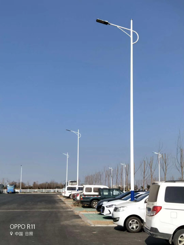 LED太阳能路灯为何能逆袭传统路灯?它又有哪些优势?
