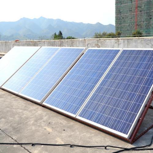 新型太阳能电池材料SnS薄膜的制备及结构分析