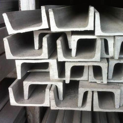 河南槽鋼在運輸中是如何保護集裝箱的呢