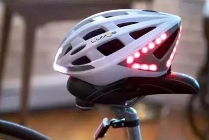 让骑电动车戴头盔成为习惯,爱护每一个生命
