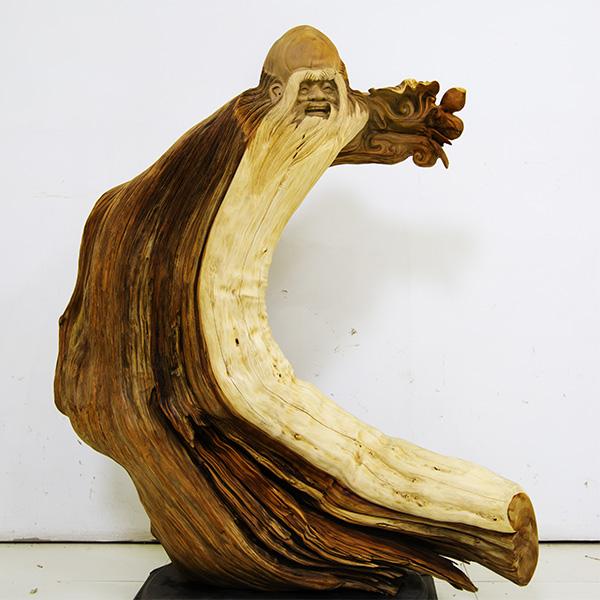 崖柏人物雕刻图