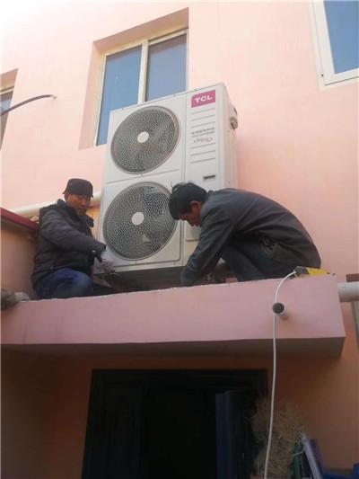 宁夏某小区客户中央空调安装现场