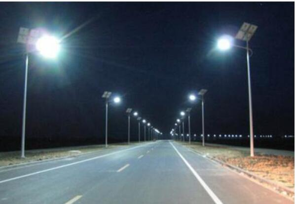 厂家分析普通的路灯怎样改成太阳能路灯