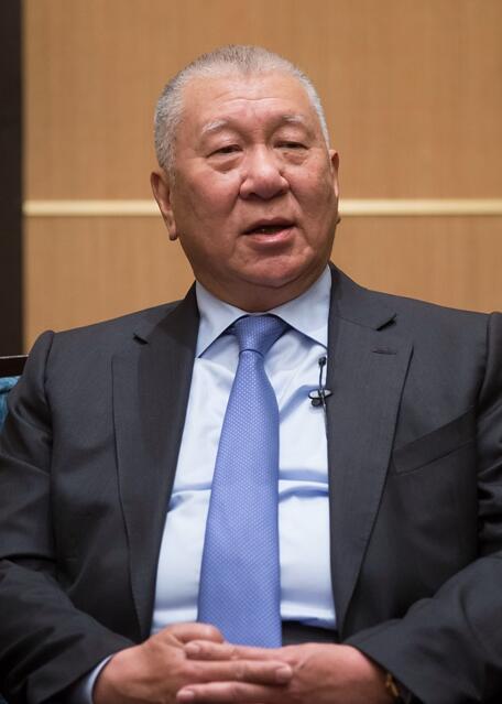 """全国政协副主席何厚铧:澳门人从未动摇对""""一国两制""""的信任"""