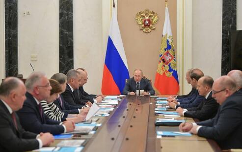 普京:制裁之下俄武器出口依然强劲 增至130亿美元