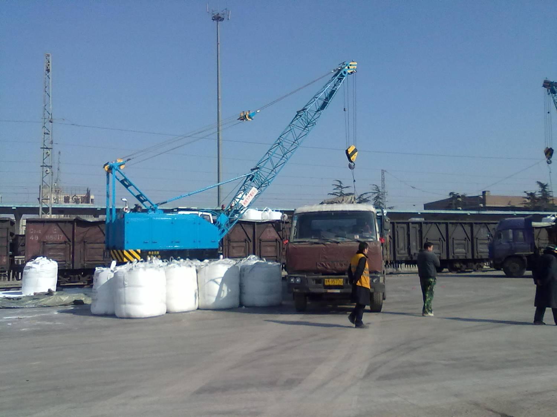 青岛铁路局货场使用是LQD16起重机械设备