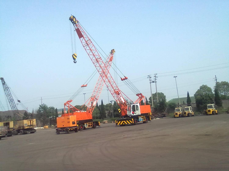 江苏镇江港码头选购的LQD30轮胎吊
