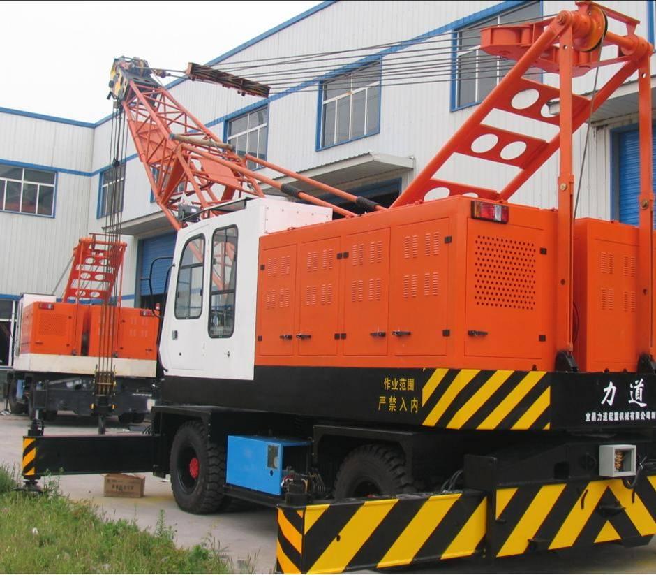 宜昌港口轮胎起重机_LQDW30外接交流电起重机械