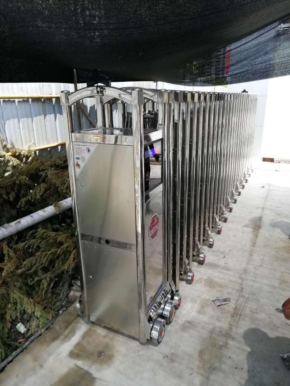 汉中公安局科技大楼项目部电动伸缩门定制安装