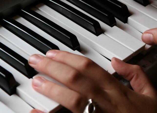 学音乐,选择音乐艺考培训学校应该注意什么?