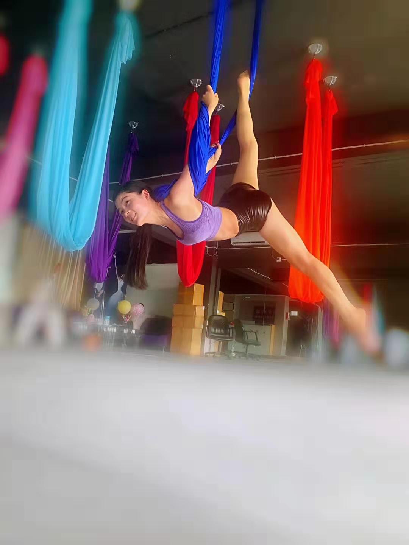 高空舞蹈学习中
