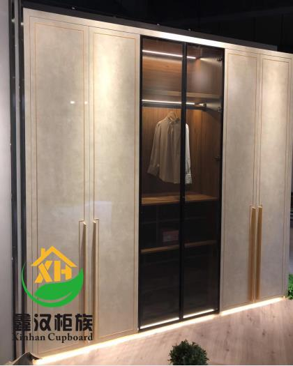 湖北窄邊玻璃門櫥櫃定製