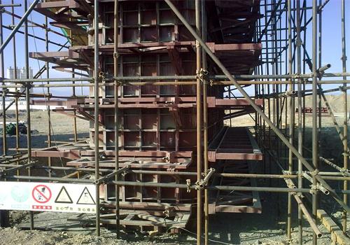 钢模板的分类及其使用的几大特点以下