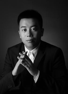 王泽凯(编写故事教师兼传媒班主任)