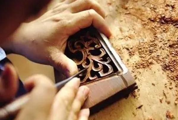红木家具常用的四大雕刻工艺