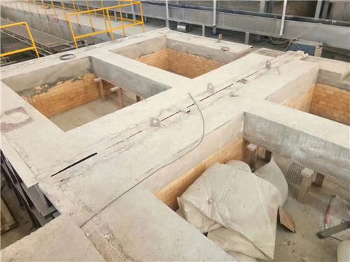 河南耐火磚熔鋁爐施工現場