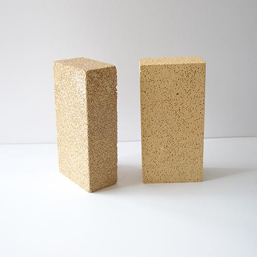 河南耐火材料—高铝聚轻保温砖