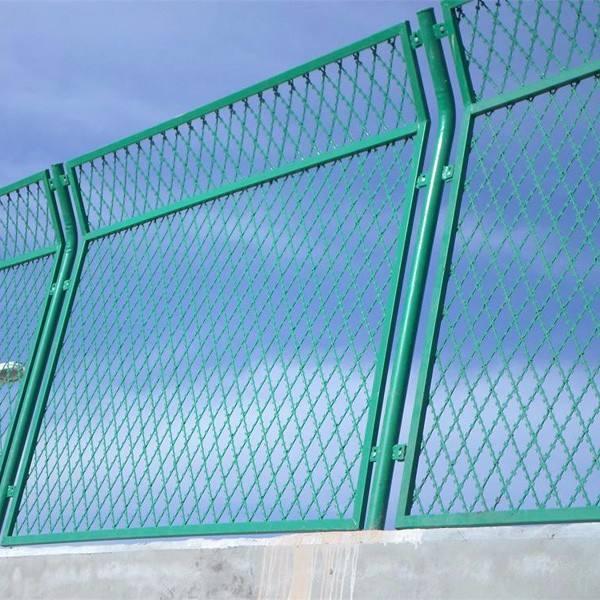 路强与中十七局合作内蒙古防护栅栏合作案例