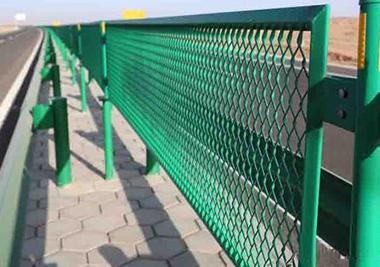 安装高速公路护栏、标识需要什么资质呢?