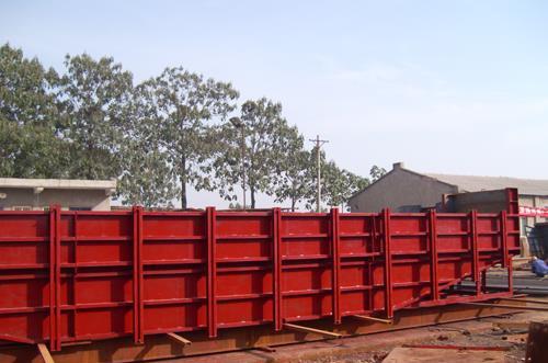 新疆钢结构种类有哪些:高耸、板壳、轻型工业厂房