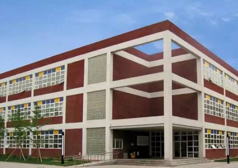 钢结构的建筑外墙使用彩钢夹芯板会怎么样