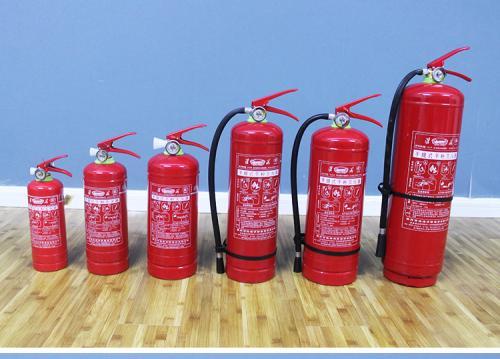 使用灭火器补救初期火灾的方法