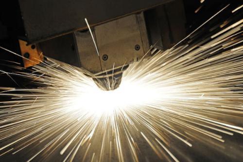 四川薄板激光切割機切割碳鋼的優勢是什么?