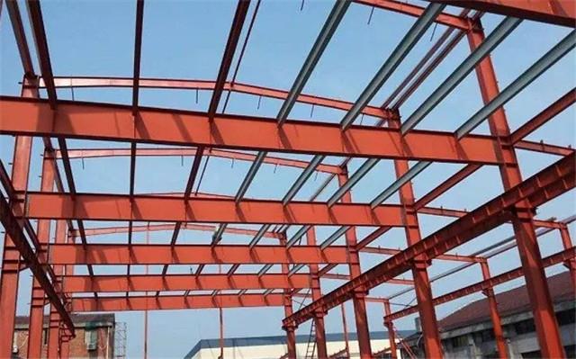 公司这样提高钢结构厂房安装精度